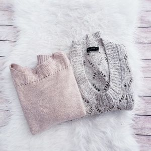 BUNDLE OF 2 WOMANS SWEATERS